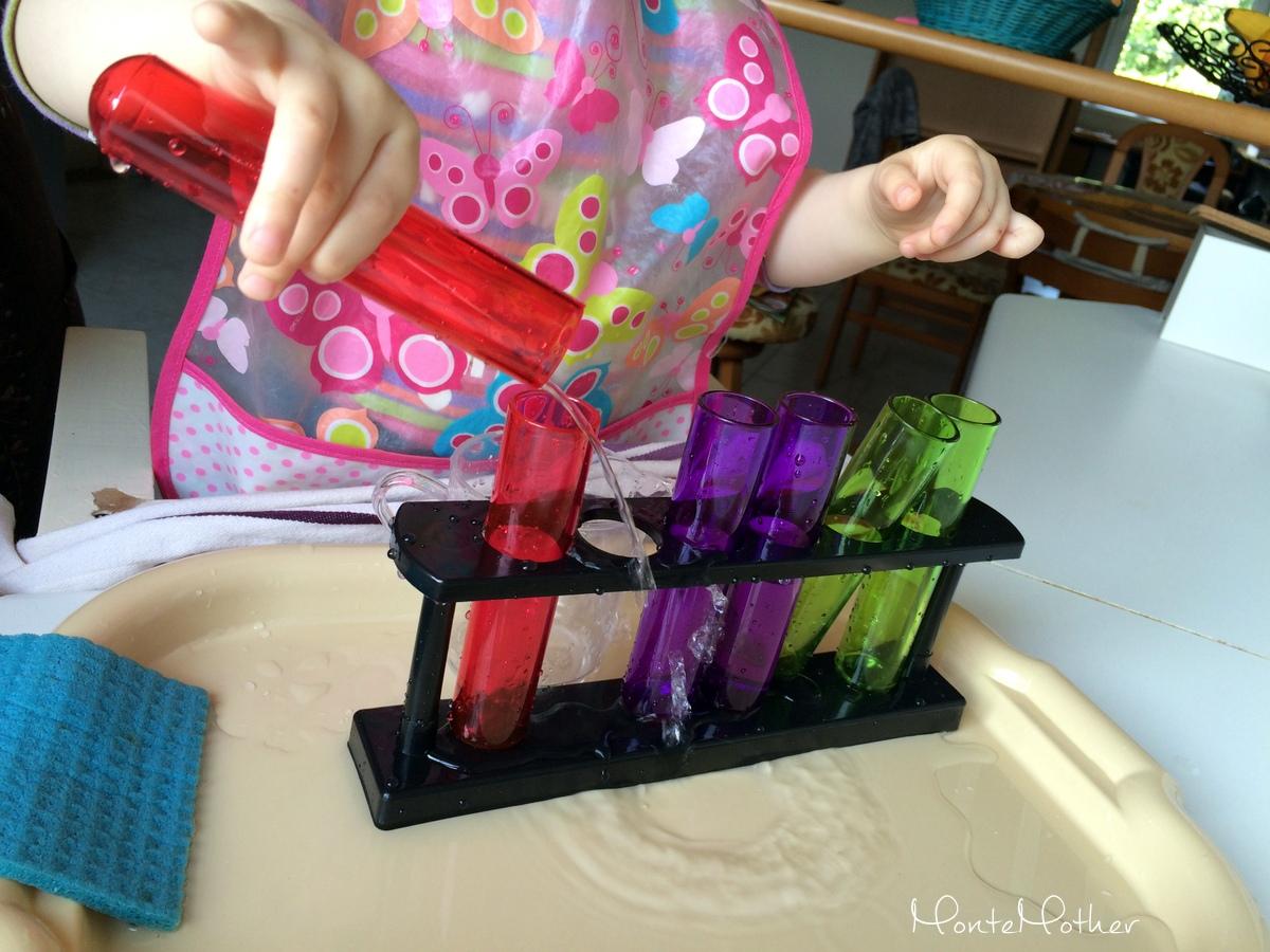 Montessori Skúmavky prelievanie