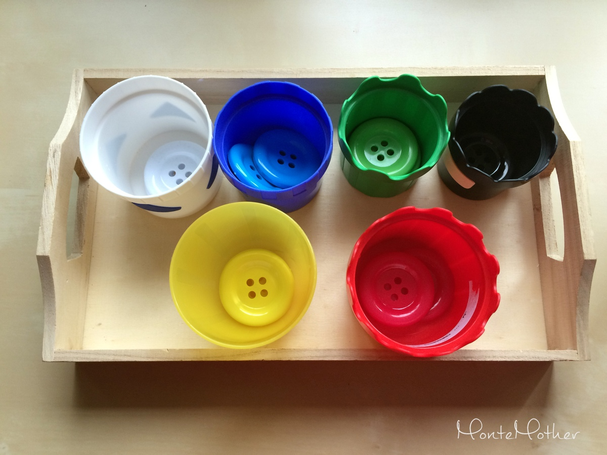 triedenie farieb s gombikmi