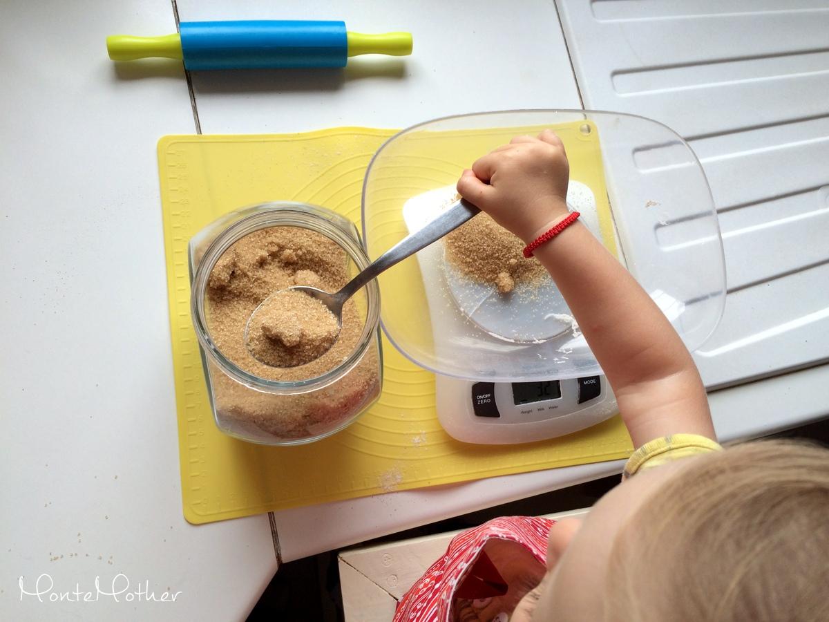 Montessori v kuchyni - pecenie (2)