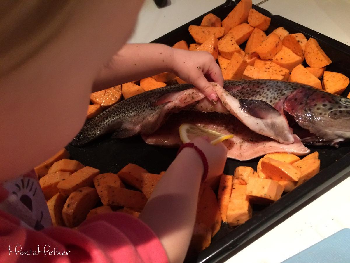 Montessori v kuchyni - pecenie ryby