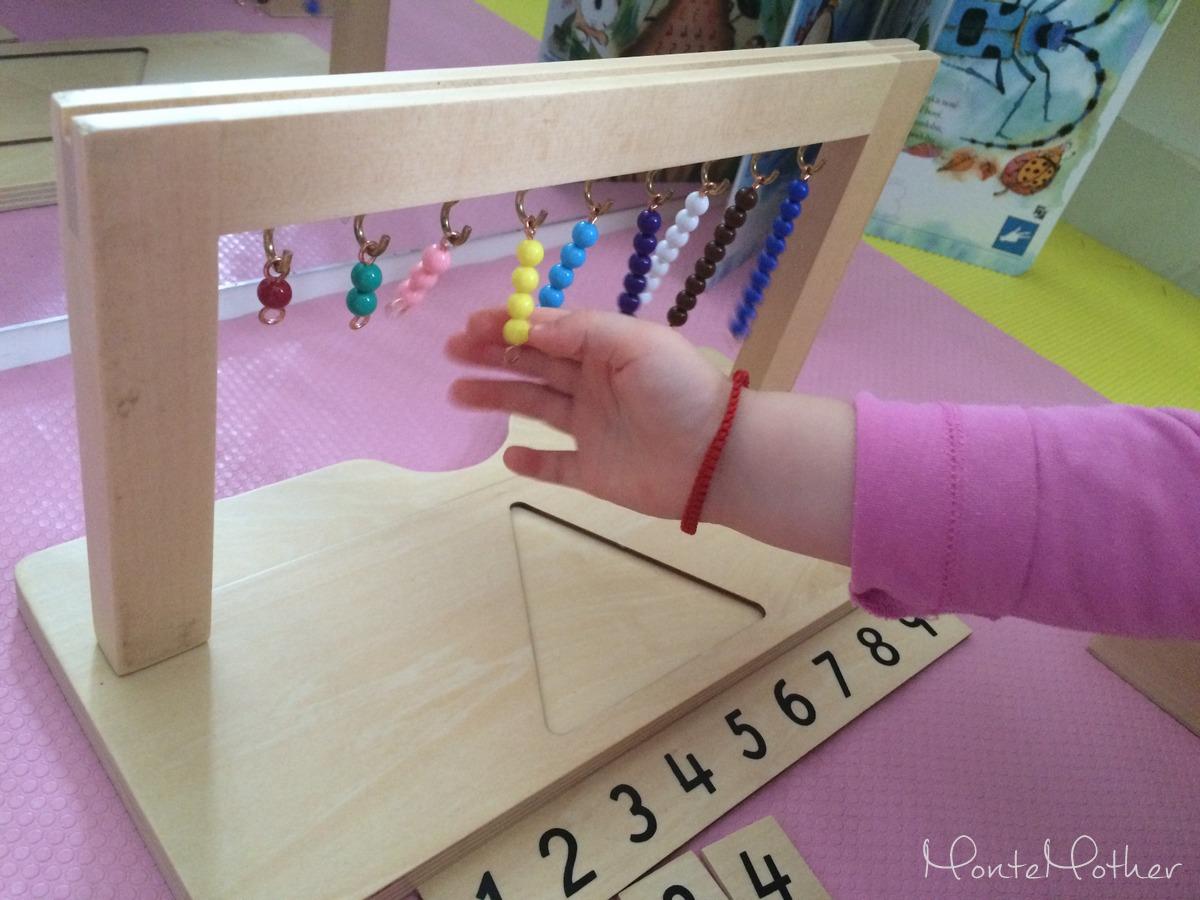 stojan a montessori perlove schody